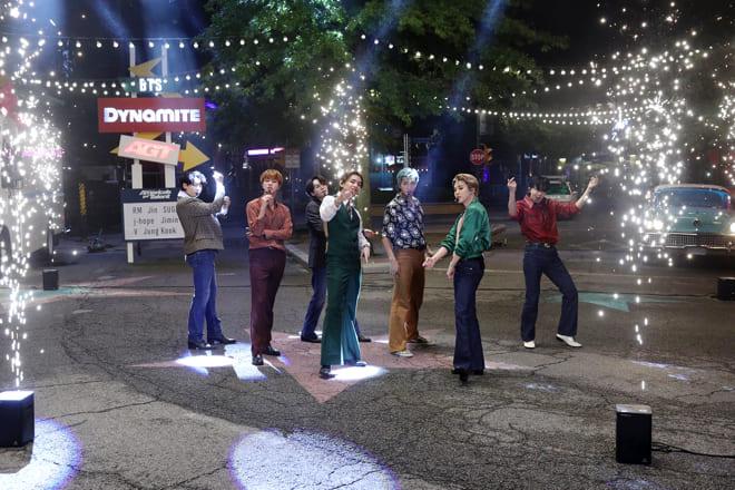 BTS、America's Got Talentで新曲「Dynamite」のスペシャルステージを披露